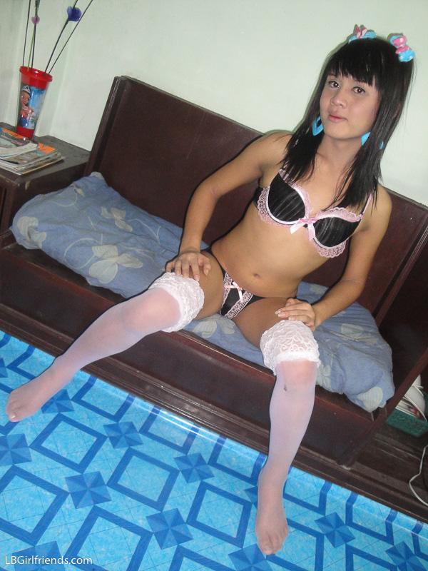plug asian Porno picture anal butt