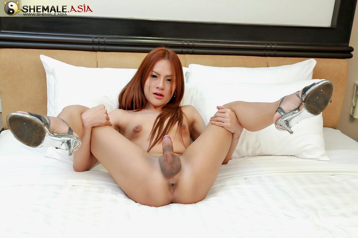 Ebony nude public