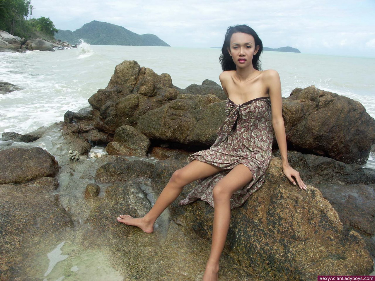 Fresh bikini busty porn asian