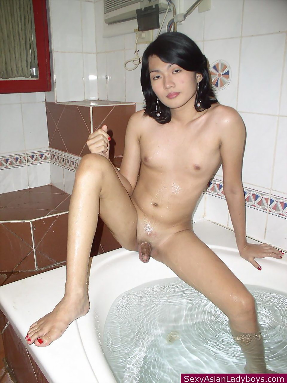 chubby-young-asian-hairless-nude